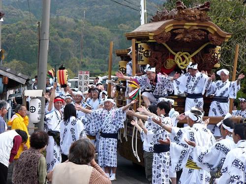いちき串木野、春の風物詩「徐福花冠祭」